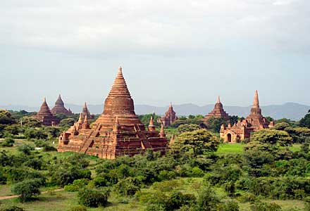 Thousands of Bagan temples lie along the banks of the Irawaddy